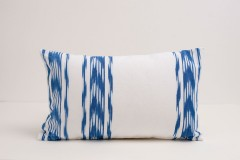 FUNDA-SIMPLE-IKAT-235-AZUL-50x30